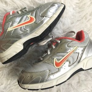 Nike Silver Rubber Shoes 10